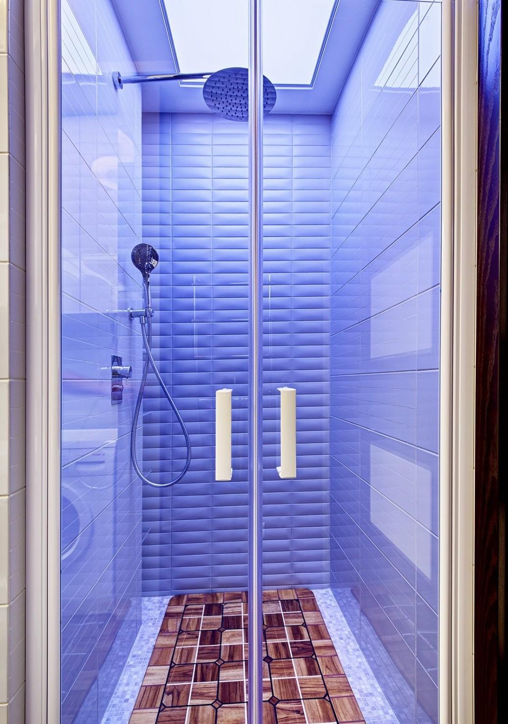 Ванная душ подсветка квартира-студия современный стиль