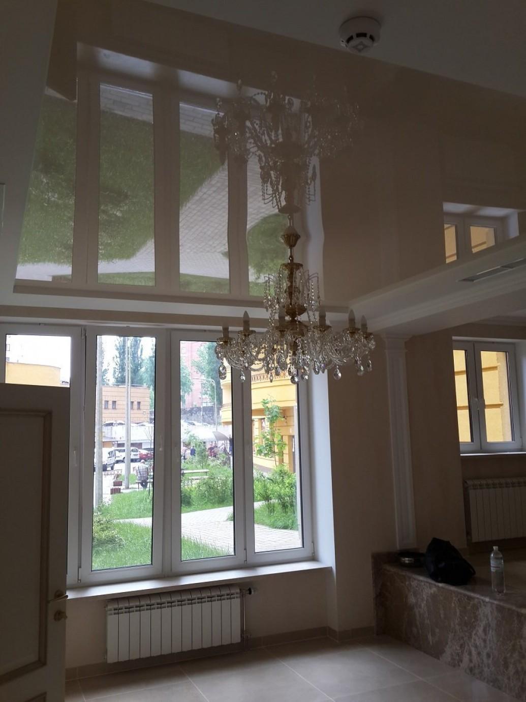 Большие окна офиса классический стиль