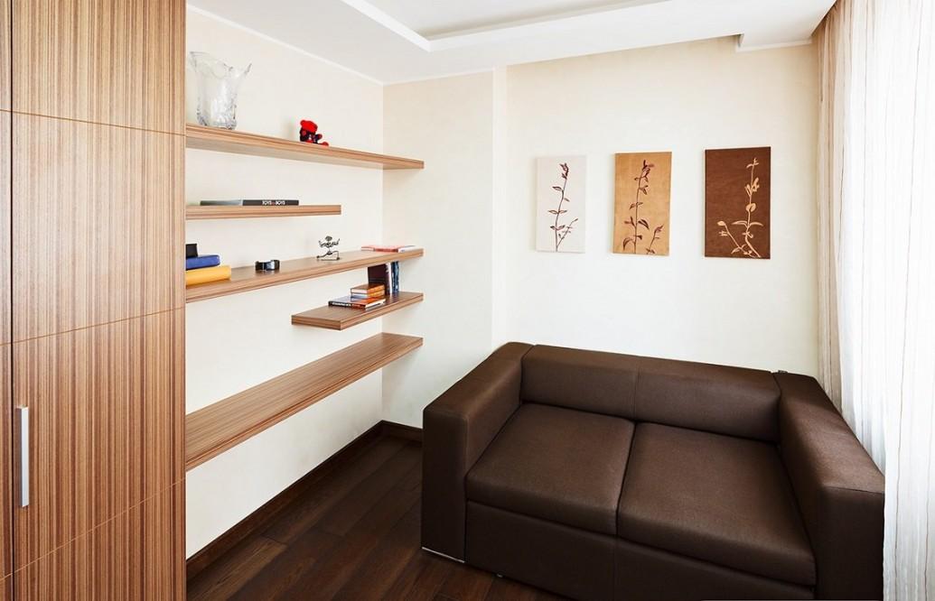 Полки небольшой кабинет